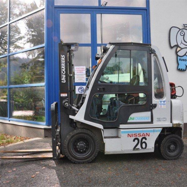 Použitý vysokozdvižný vozík plynový Nissan DX 20 - velmi dobrý stav - zánovní