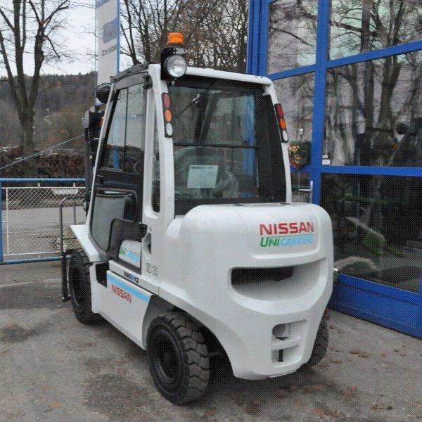 Čelní vysokozdvižné vozíky NISSAN řady DX s dieselovým pohonem