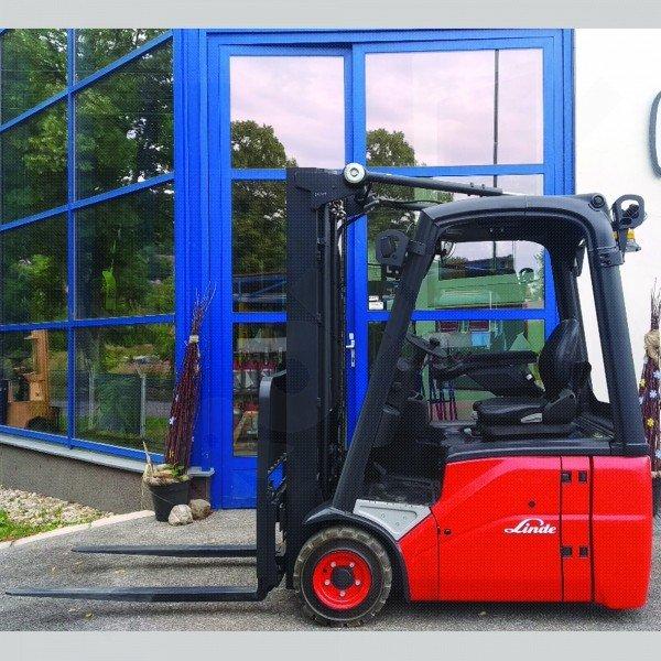Použitý vysokozdvižný vozík elektrický LINDE E14 - zánovní stav!