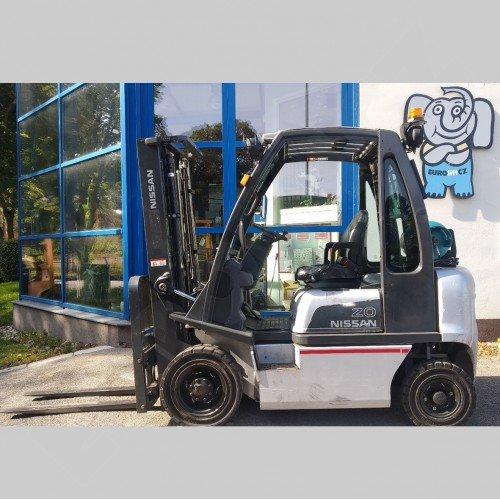 Použitý vysokozdvižný vozík dieselový Nissan DX 20 - dobrý stav
