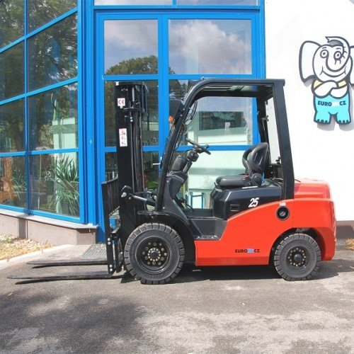 Čelní vysokozdvižné vozíky EUROliftCZ T8-20 D - T8-25 D pohon diesel