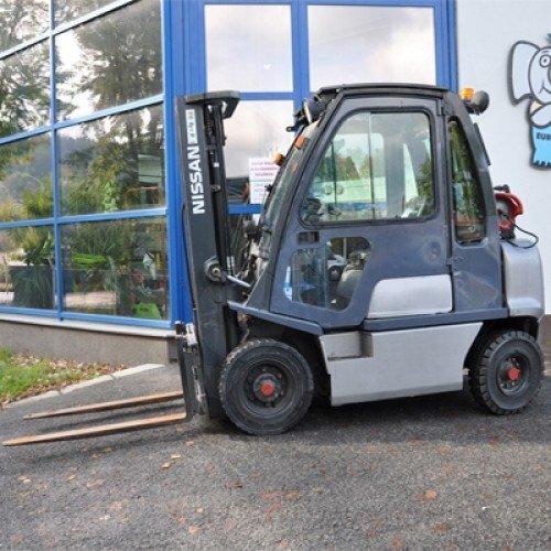 Použitý vysokozdvižný vozík plynový Nissan DX 25 - stav dobrý