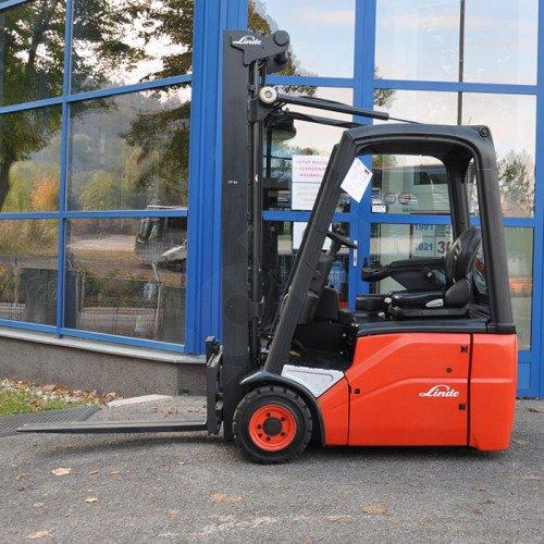 Použitý vysokozdvižný vozík elektrický LINDE E14-01 - velmi dobrý stav