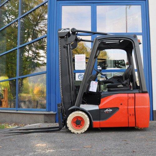 Použitý vysokozdvižný vozík elektrický LINDE E16 C-02 - dobrý stav